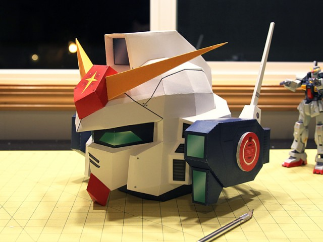 Strictlypaper - 7ft Gundam Papercraft - Visualspicer - Taras Lesko - Beyond The Paper 1