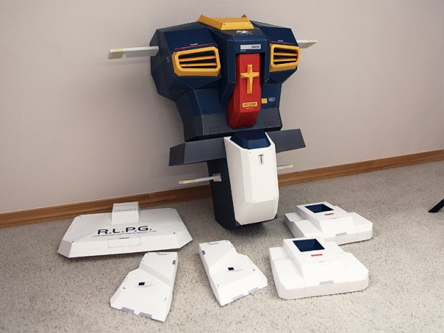 Strictlypaper - 7ft Gundam Papercraft - Visualspicer - Taras Lesko - Beyond The Paper 3