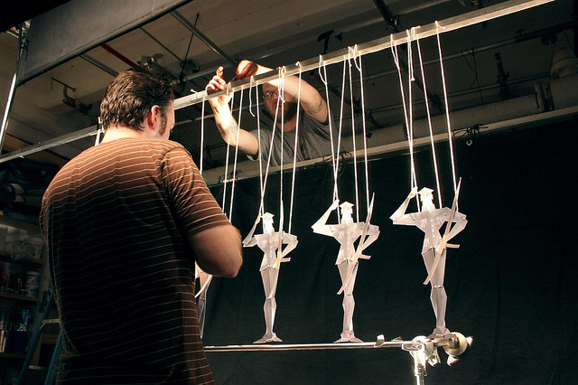 Bunraku - Setting up the marionettes