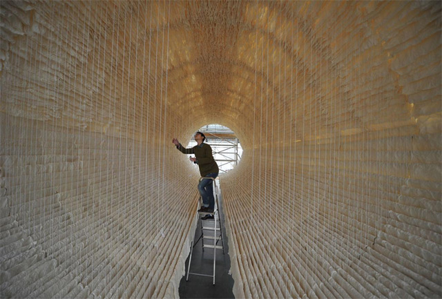 8,000 Sheets of Rice Paper Draped on Bamboo by Zhu Jinshi