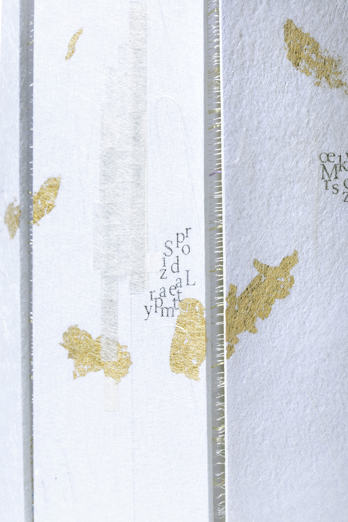 Tamara-Lise-Delicate-Paper-Works-Sogno_d'oro-Strictlypaper-Detail