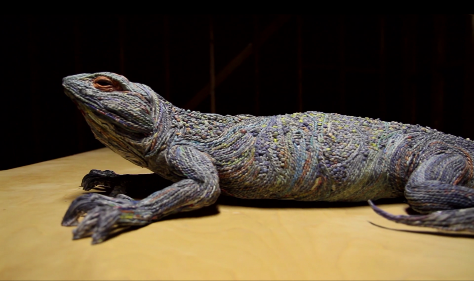 Artist Creates Three-Dimensional Animals from Strips of Rolled Recycled Newspaper Lizard