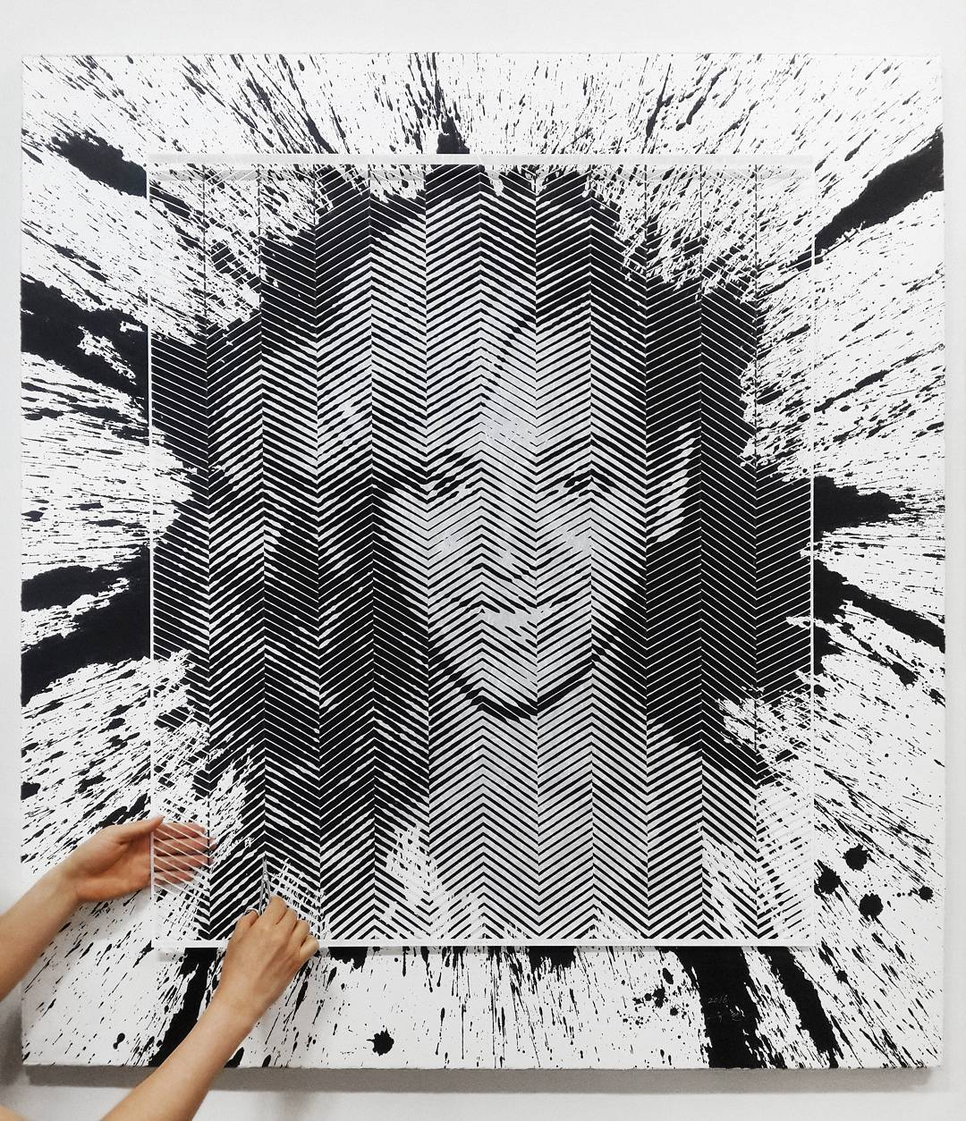 Artist Hand-Carves Complex Photorealistic Portraits Out of Paper - Beyonce