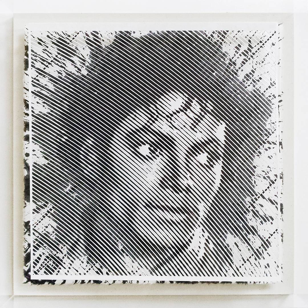 Artist Hand-Carves Complex Photorealistic Portraits Out of Paper - Michael Jackson