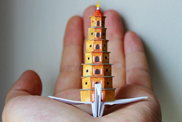 ===Grullas de papel Origami=== Cristian-marianciuc-thie%CC%82n-mu-pagoda-paper-crane-strictlypaper