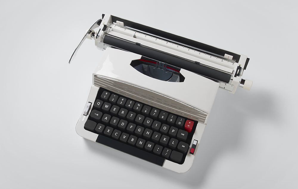 Realistic Paper Sculptures That Play With Scale by Mikako Azakami - White Typewriter