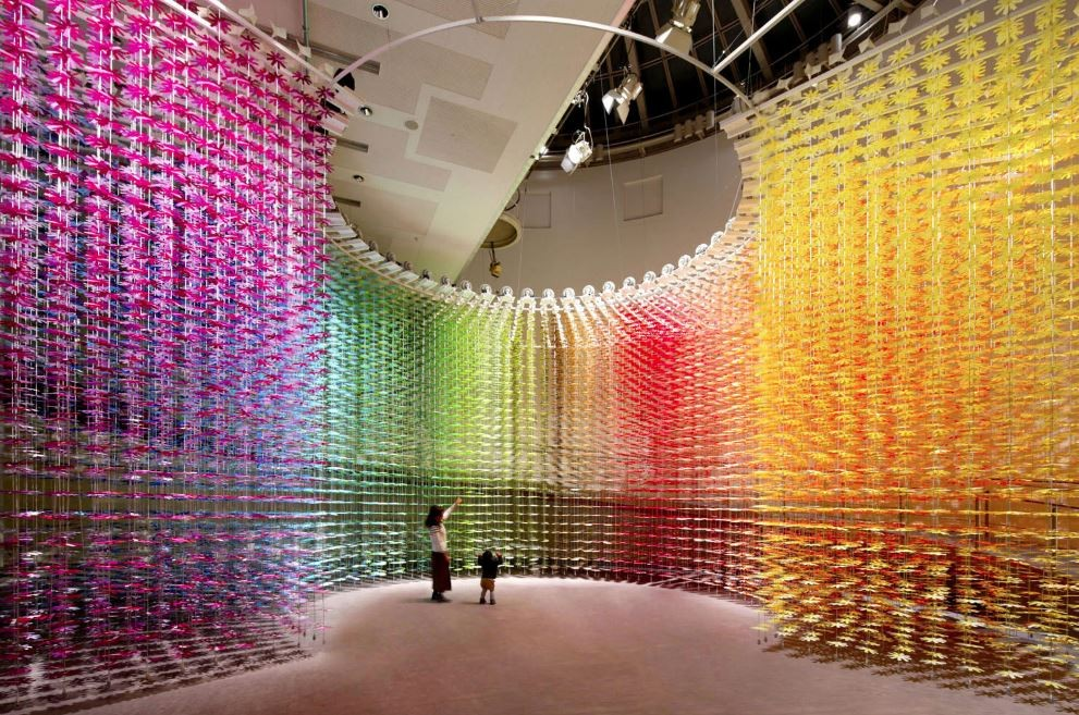 Over 25,000 Paper Flowers Transform Tokyo Venue into Colorful Art Experience by Emmanuelle Moureaux