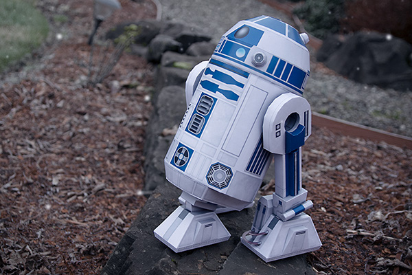 10 Star Wars Paper Projects to Celebrate Rogue One Movie Release - Papercraft R2-D2 by Taras Lesko