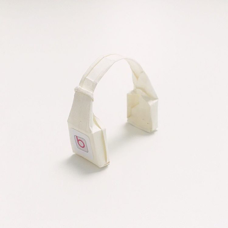 Artist Creates Well-Known Products as Minimal Origami Miniatures - Beats by Dr. Dre